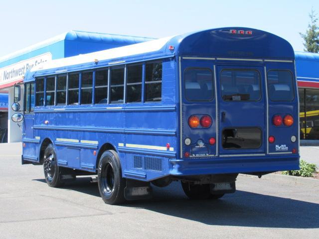 Northwest Bus Sales Inc 2004 Thomas Mvp Fe 28 Passenger