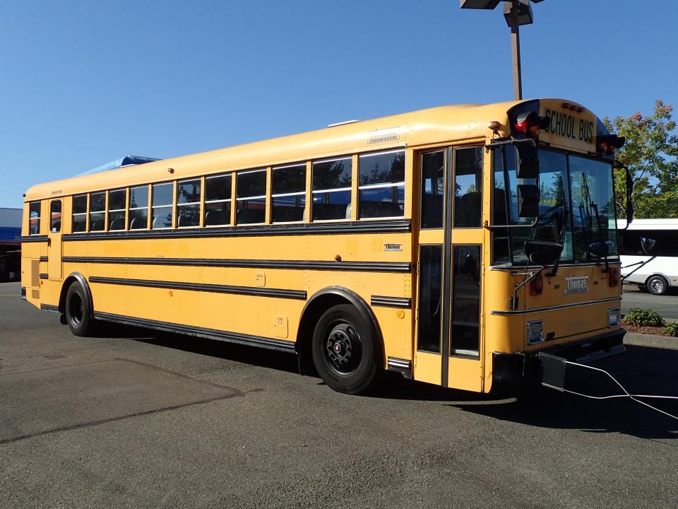 1999 Thomas Saf-T-Liner 78 Passenger School Bus - B73623