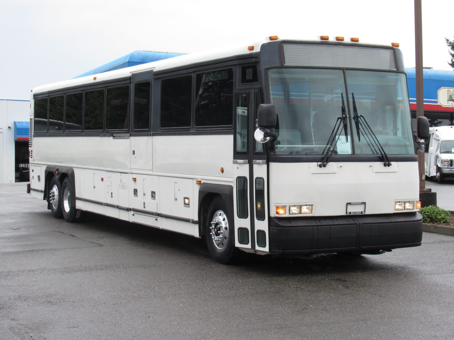 Used & New Coach Buses for Sale - Big Passenger Buses | Las Vegas