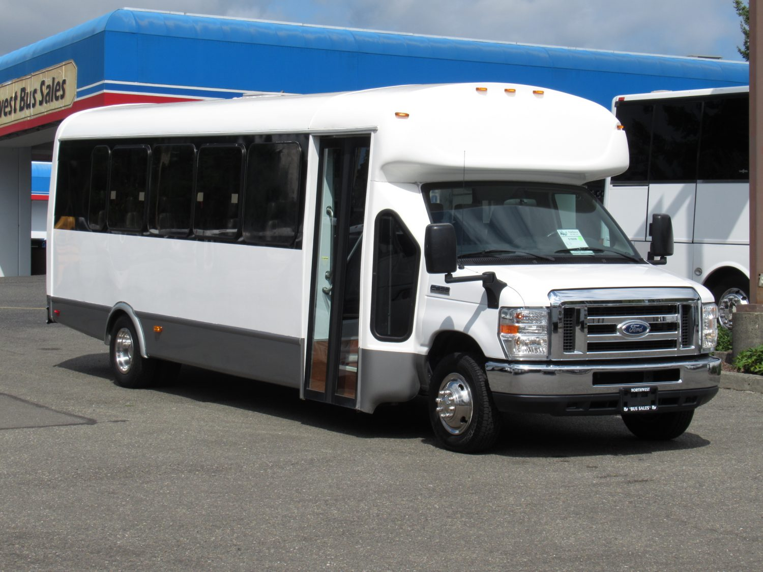 Complete Bus Inventory - Passenger, Coach, & More | Las Vegas Bus Sales